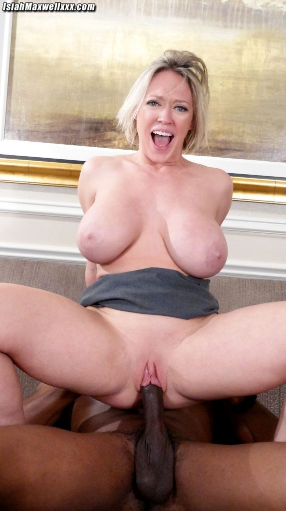 Dee Williams bouncing tits
